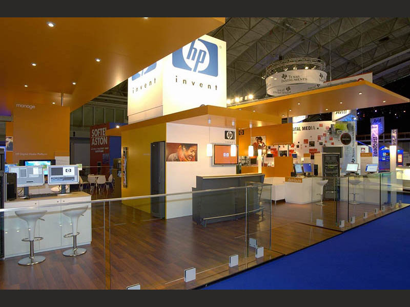 design-zug-385-hewlett-packard-messestand-ibc-amsterdam-2005-07