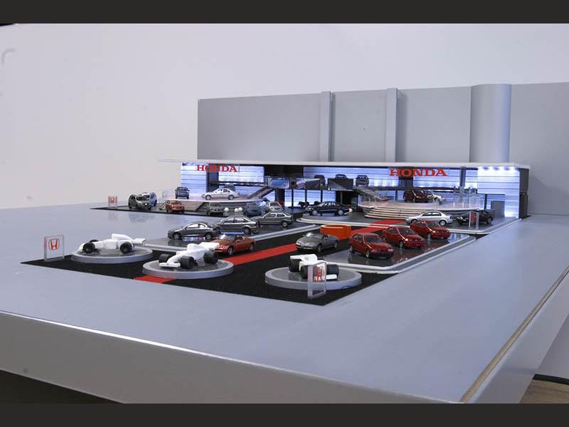 design-zug-396-honda-messebau-modellbau-autosalon-genf-2006-03