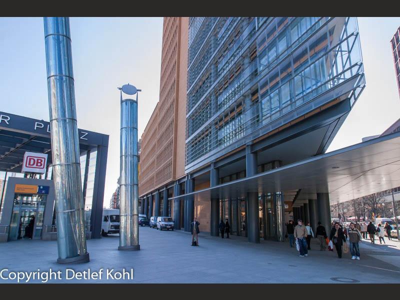Spiel der Statik und Dynamik - Berlin Potsdamer Platz
