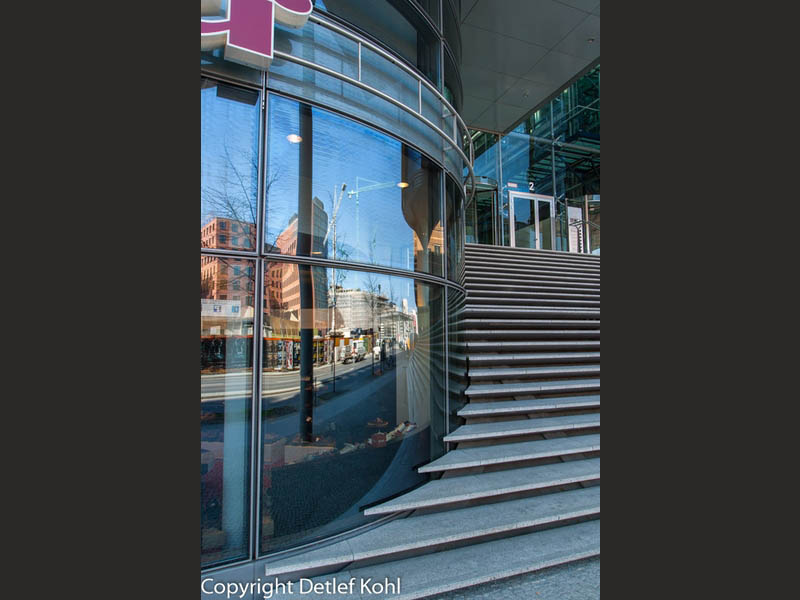 Treppe zur Moderne - Berlins Potsdamer Platz neu erstanden
