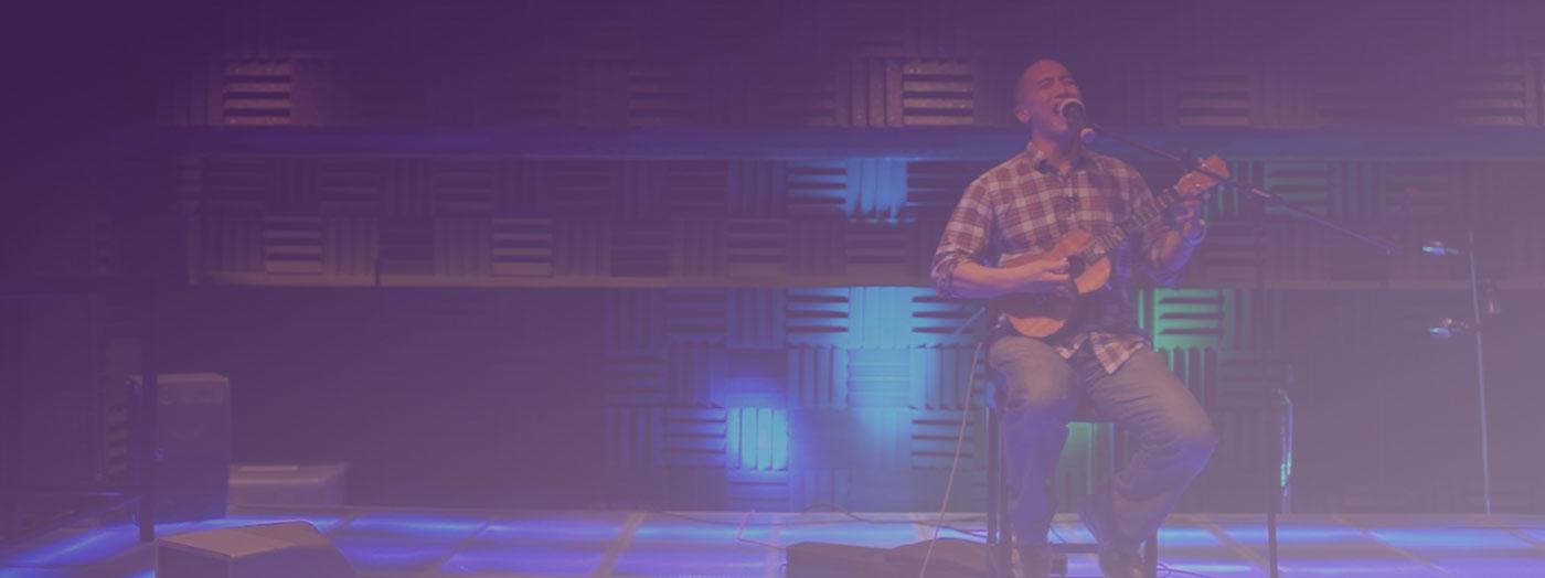 Ben Ahn performing