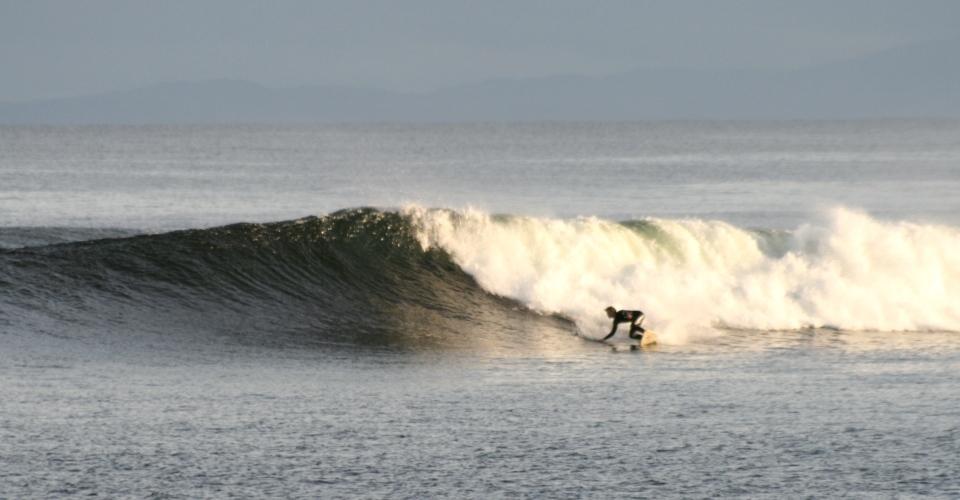 Einsame und perfekte Surfsession