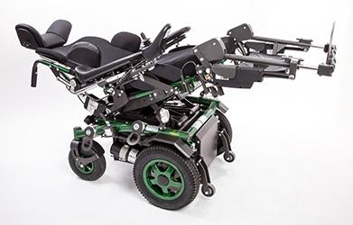 größerer Rollstuhl