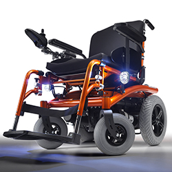 Rollstuhl mit Hinterradantrieb