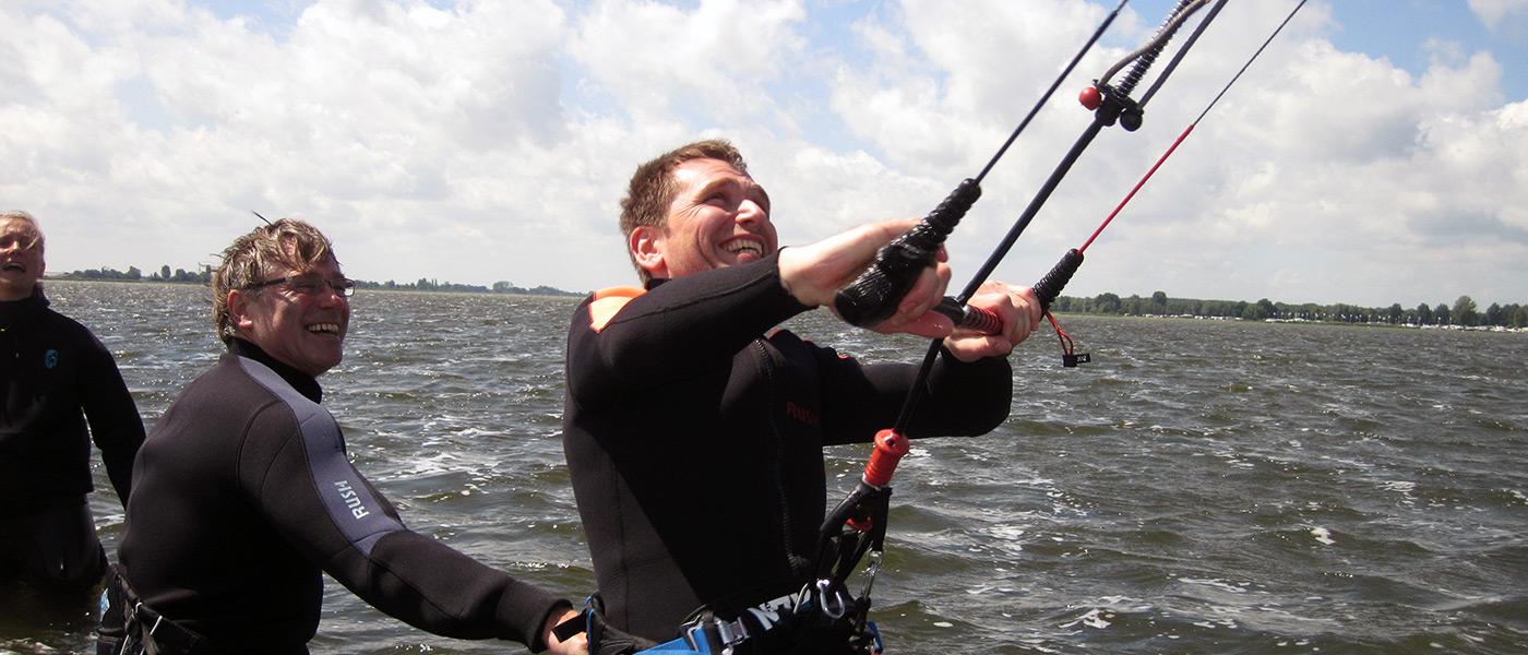 Kurse Kitesurfing Schulklassen, Einsteiger, Fortgeschrittene